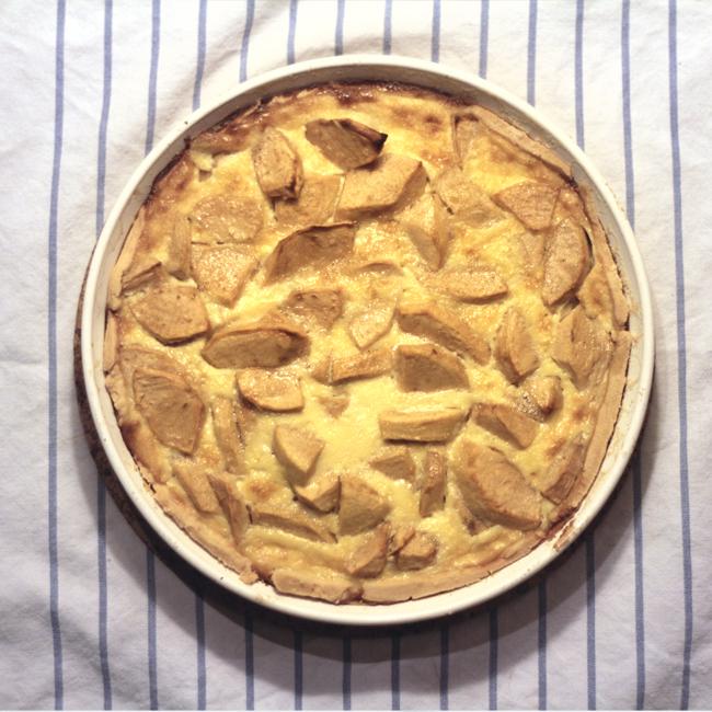Jablčný koláč scalvadosom