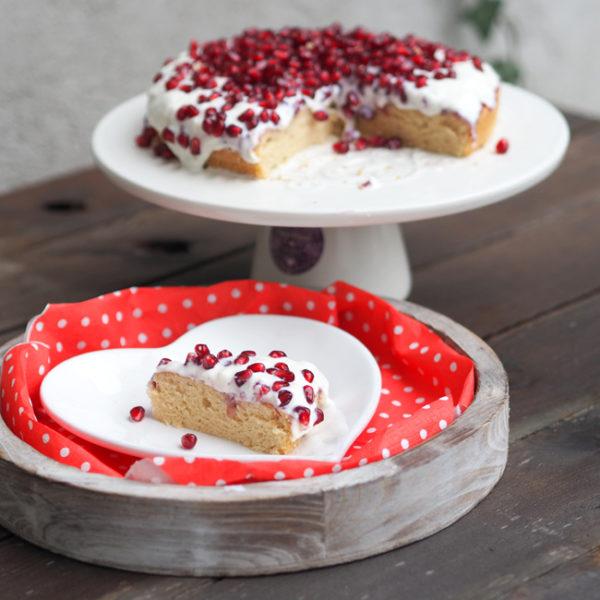 Valentínsky koláč sgranátovým jablkom