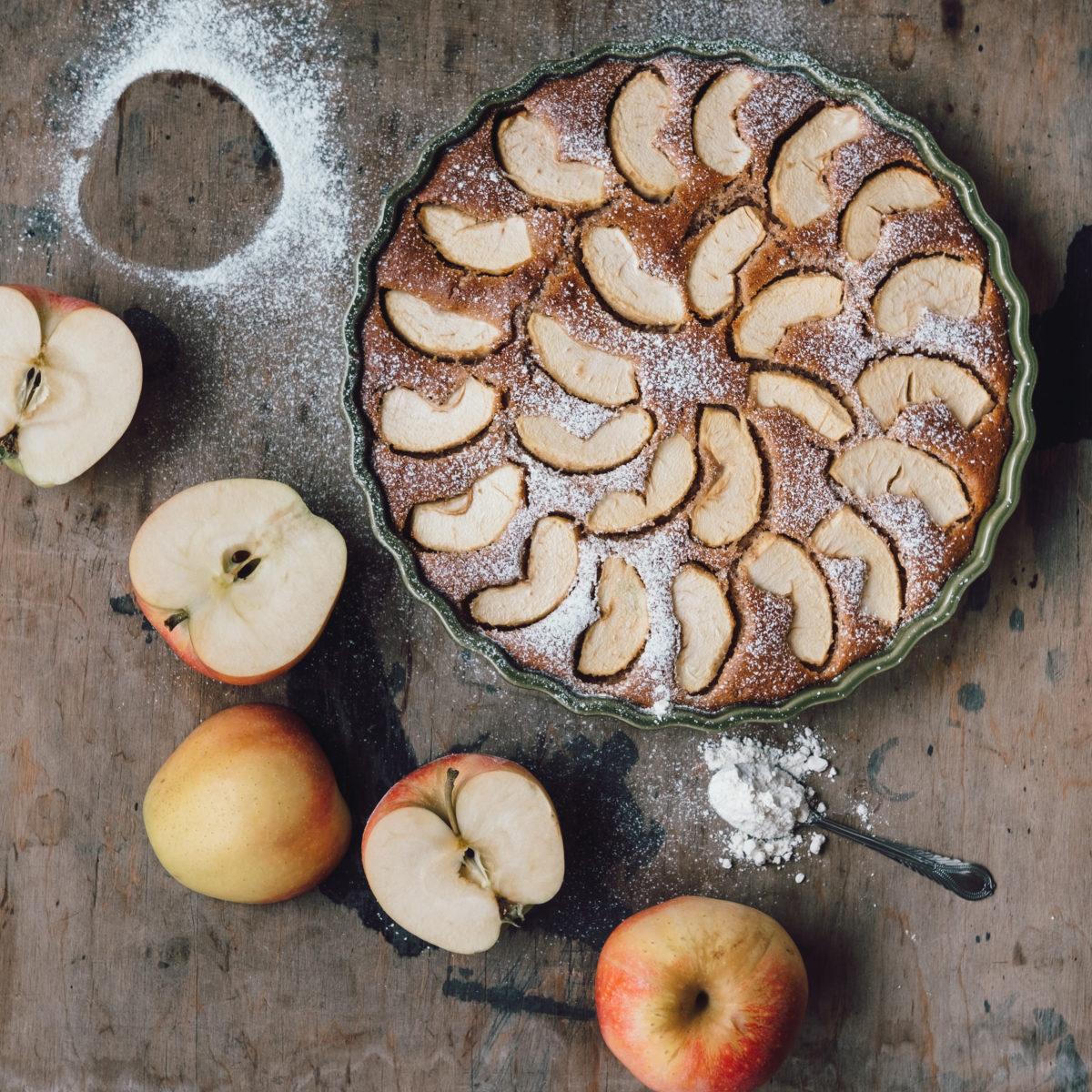 Jablkový koláč zo špaldovej múky