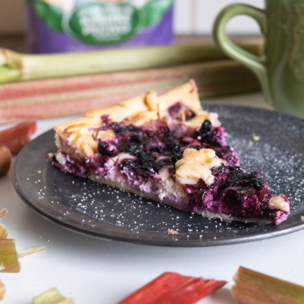 Rebarborový koláč sčučoriedkami