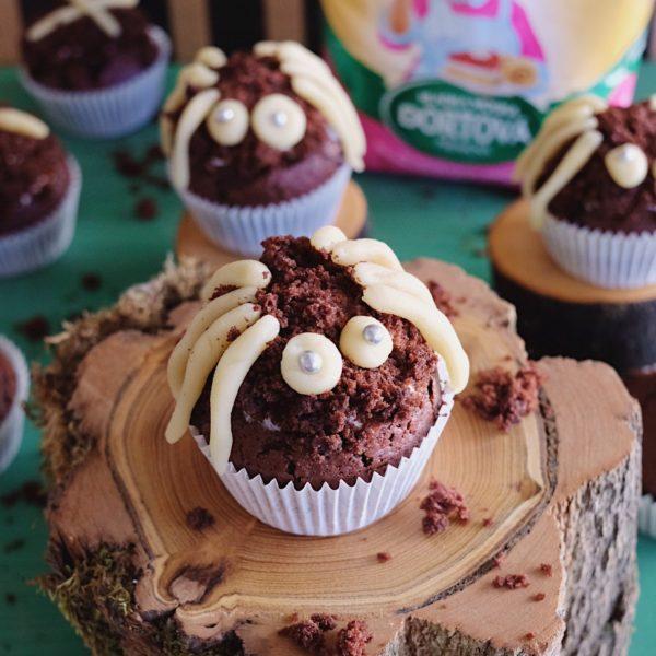 Halloweenské muffiny spavúkami