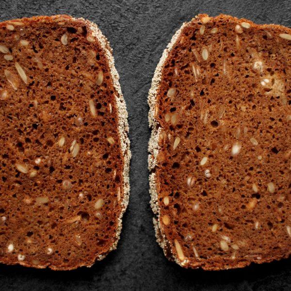 Celozrnný ražný chlieb