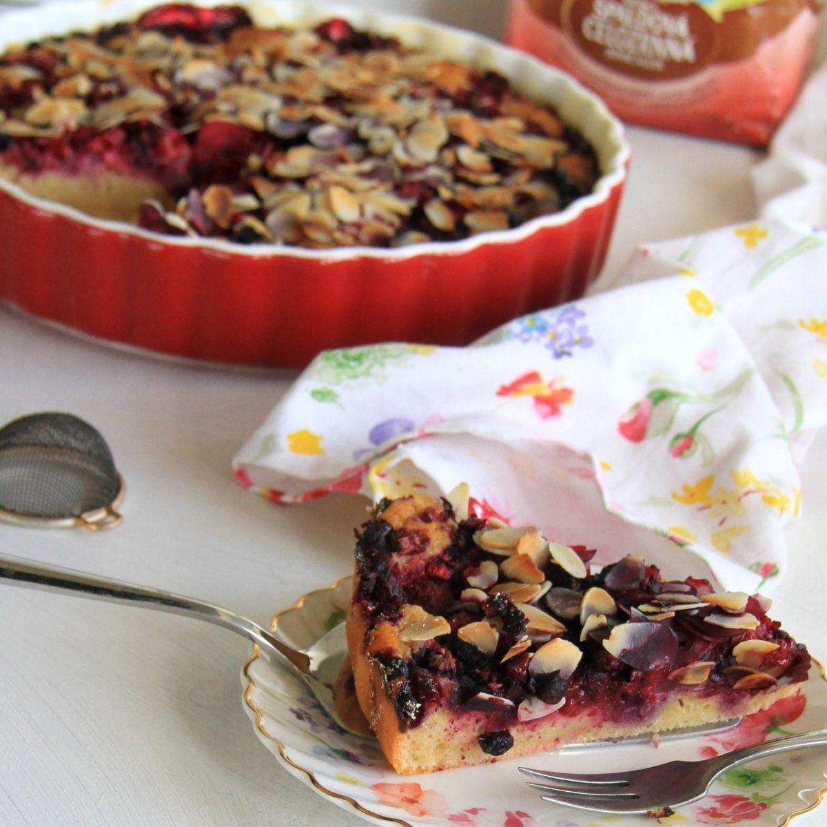Kefírový koláč slesným ovocím